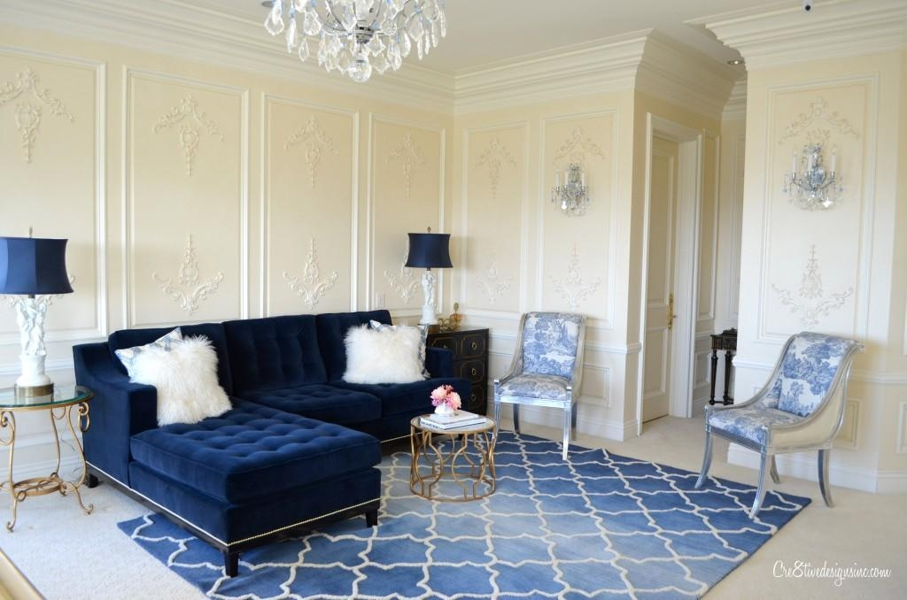 21 Different Style To Decorate Home With Blue Velvet Sofa Within Midnight Blue Sofas (Image 3 of 20)