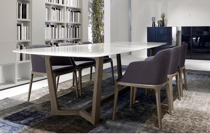 Featured Image of Sleek Dining Tables