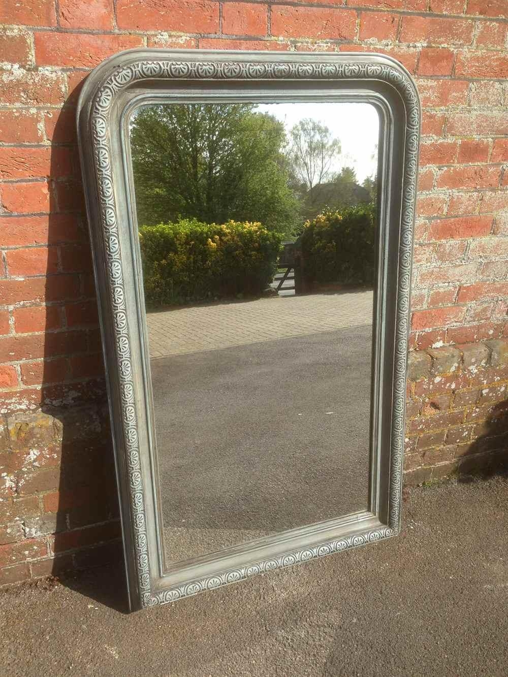 Featured Image of Curved Top Mirror