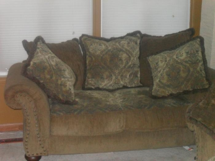 Featured Image of Alan White Sofas