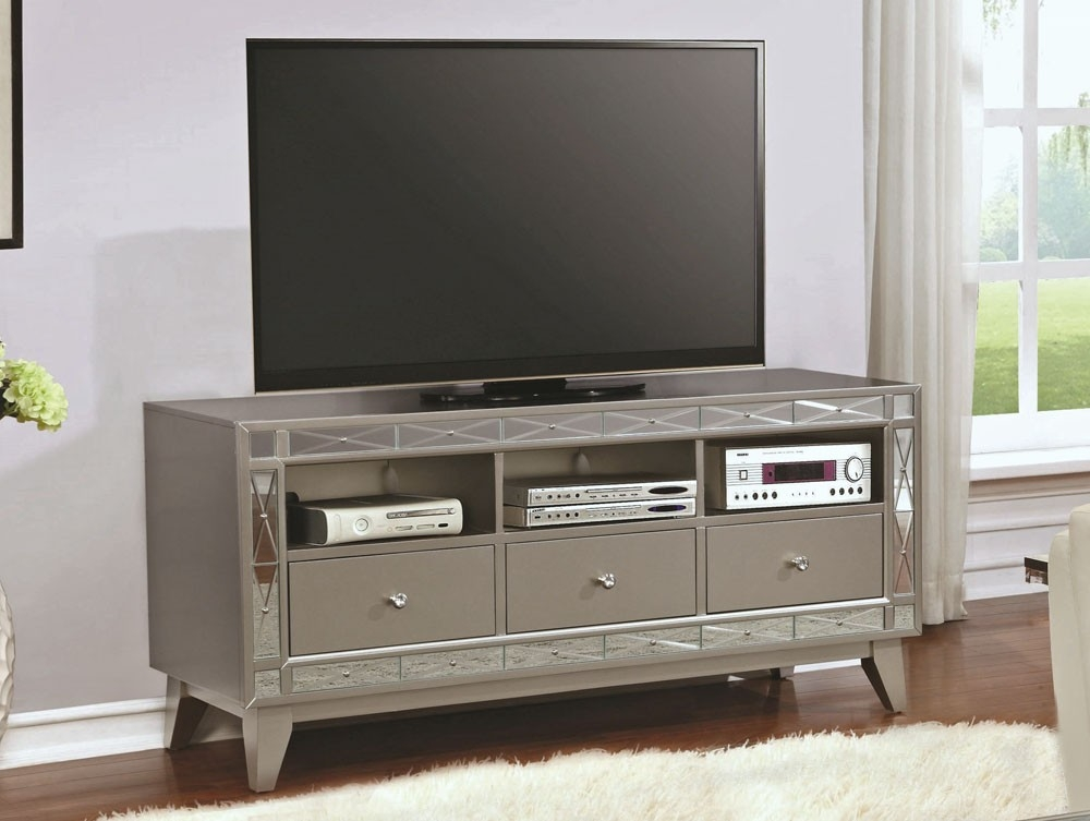 Amazing Latest Mirrored TV Stands With Tv Stand With Mirrored Accents (View 28 of 50)