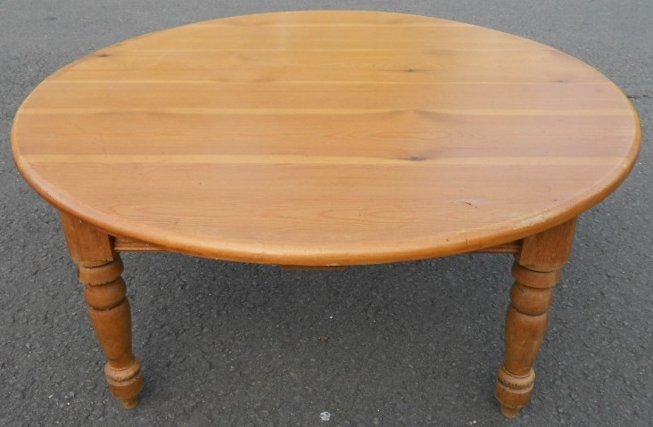 Amazing New Round Pine Coffee Tables For Pine Round Antique Style Coffee Table (Image 2 of 50)