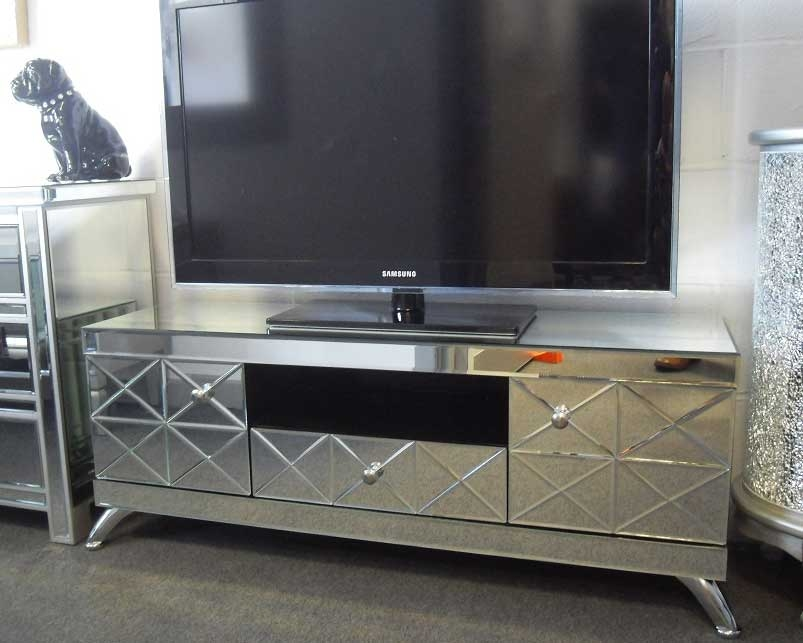 Amazing Premium Mirrored TV Cabinets With Regard To Mirrored Living Room Furniture (Image 2 of 50)