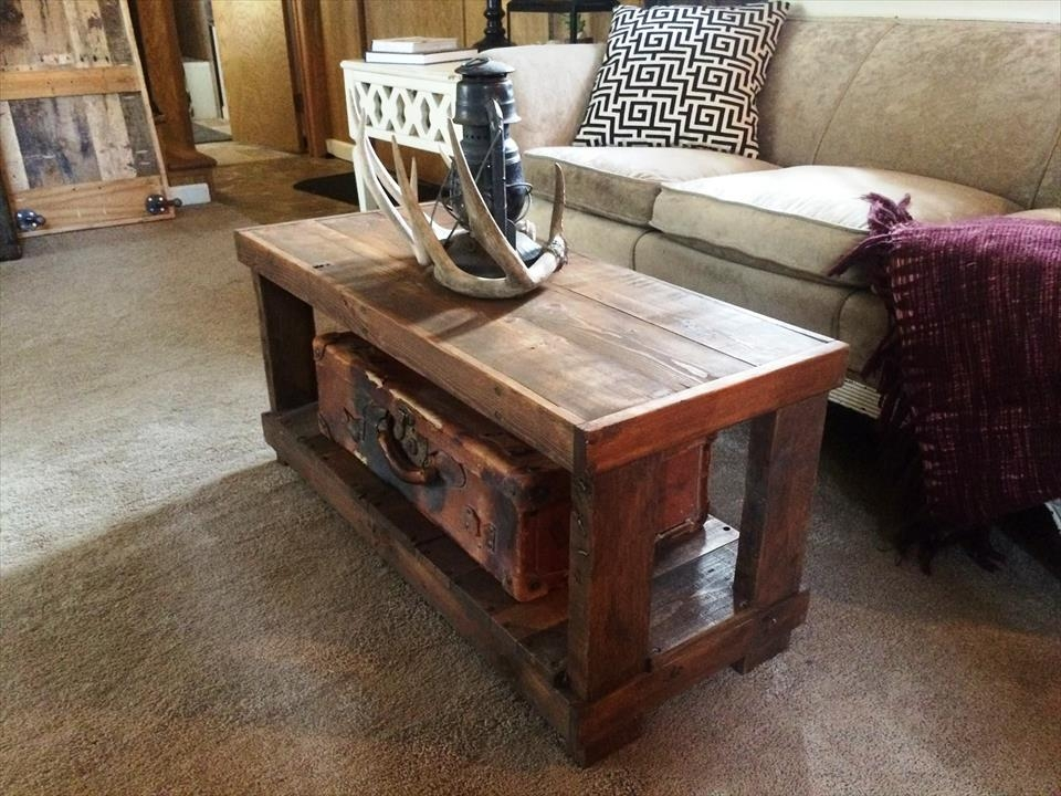 Amazing Series Of Rustic Wood DIY Coffee Tables Pertaining To Diy Rustic Wood Pallet Coffee Table 99 Pallets (View 50 of 50)