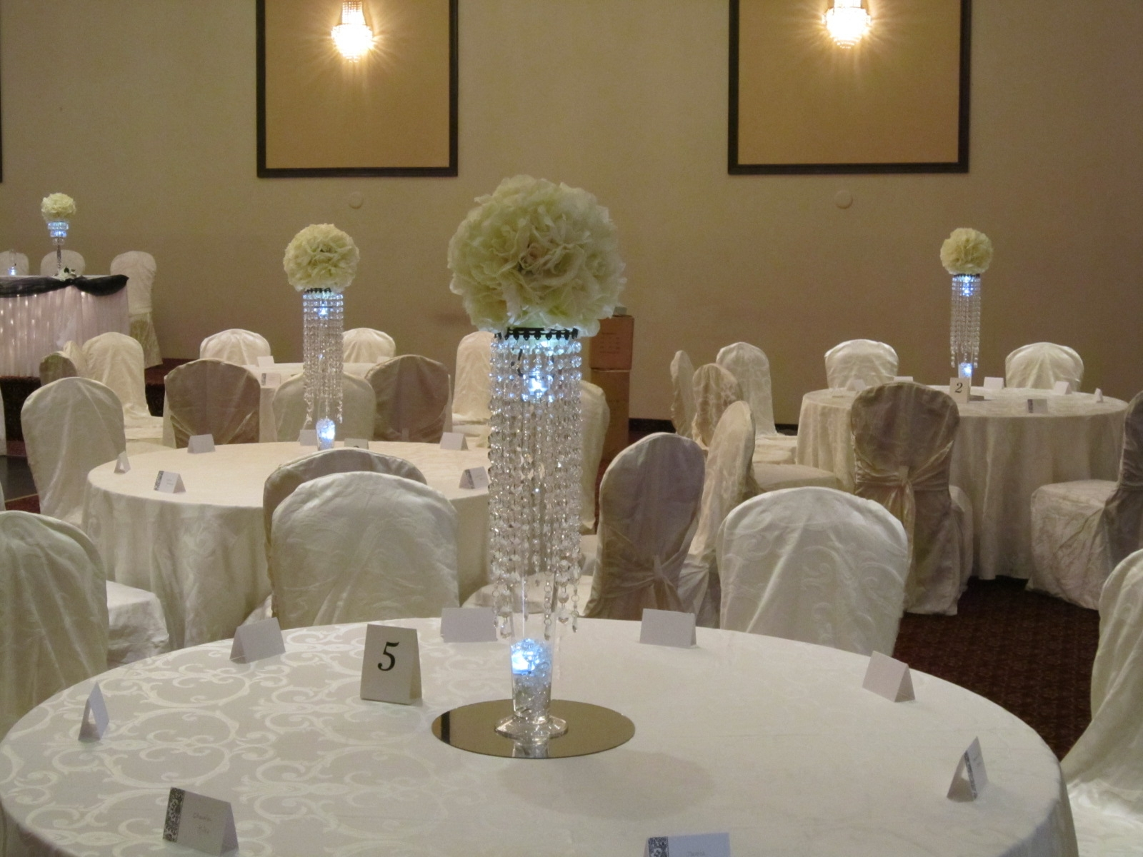 Elegant wedding centerpieces - Awesome Brand New How To Choose The Right Wedding Centerpieces For Round Table Inside Wedding
