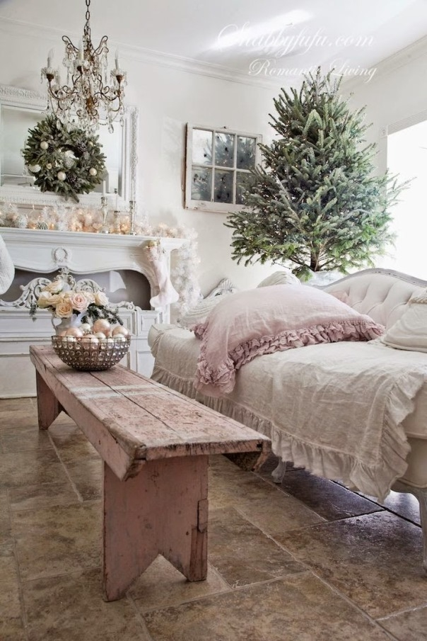 Awesome Common Rustic Christmas Coffee Table Decors With Regard To Top 40 Shab Chic Christmas Decoration Ideas Christmas Celebrations (Image 8 of 50)