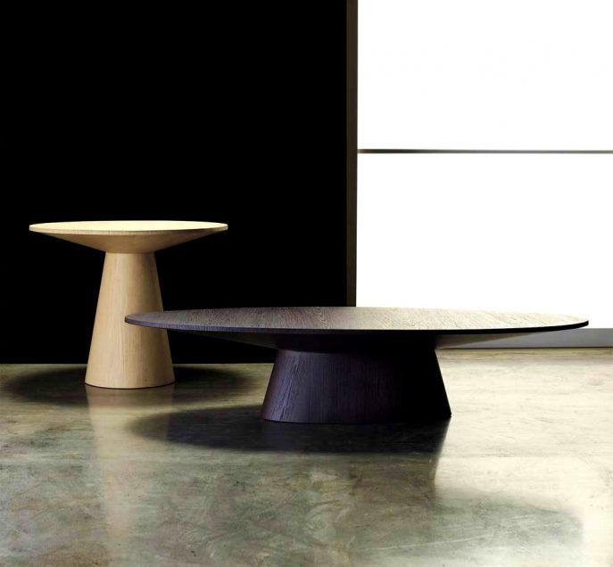 Awesome Fashionable Oval Shaped Coffee Tables In Kitchen Engaging Encore Oval Shaped Coffee Table Contemporary (View 42 of 50)