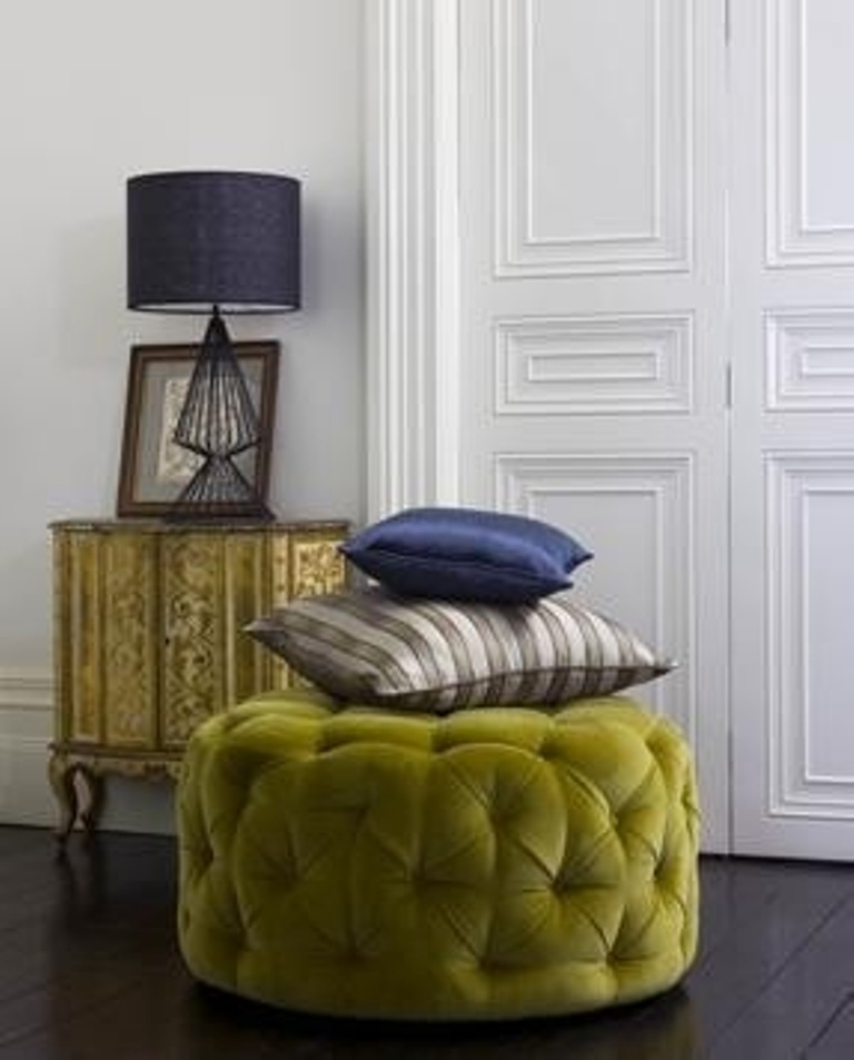 Awesome Series Of Green Ottoman Coffee Tables With Regard To Furniture Luxury Round Tufted Ottoman For Home Furniture Ideas (Image 11 of 50)
