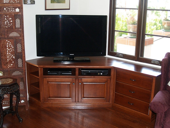 Brilliant Elite Corner Oak TV Stands For Flat Screen Pertaining To Bedroom Modern Black Tone Media Stand With Mounted Flat Screen Tv (Image 9 of 50)