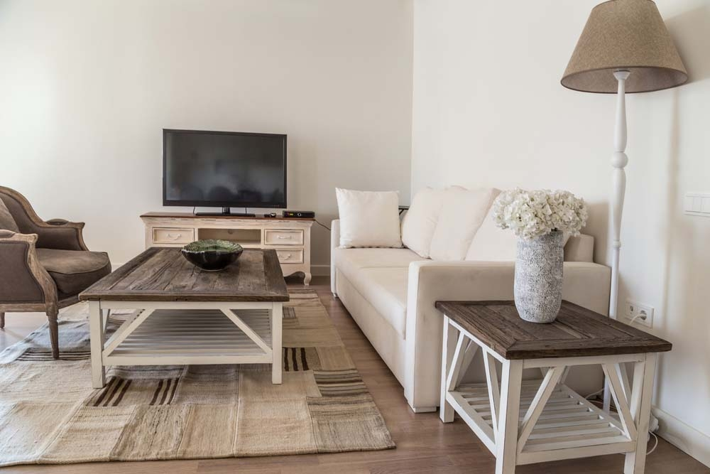 Brilliant Famous White Rustic TV Stands Within 45 Styling Tricks For Small Living Rooms (Image 7 of 50)