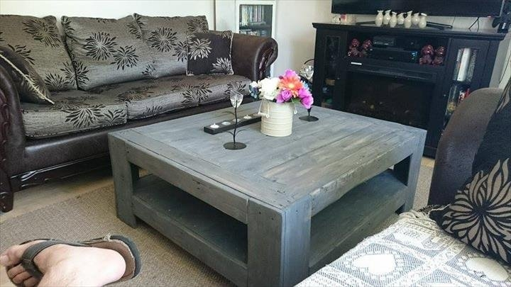 Brilliant Favorite Gray Wood Coffee Tables With Regard To Diy Wood Pallet Coffee Table (Image 8 of 50)