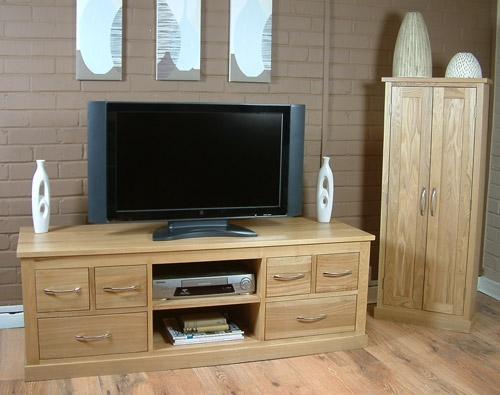 Brilliant Series Of Contemporary Oak TV Cabinets Inside Oak Contemporary Solid Oak Widescreen Tv Cabinet (Image 6 of 50)