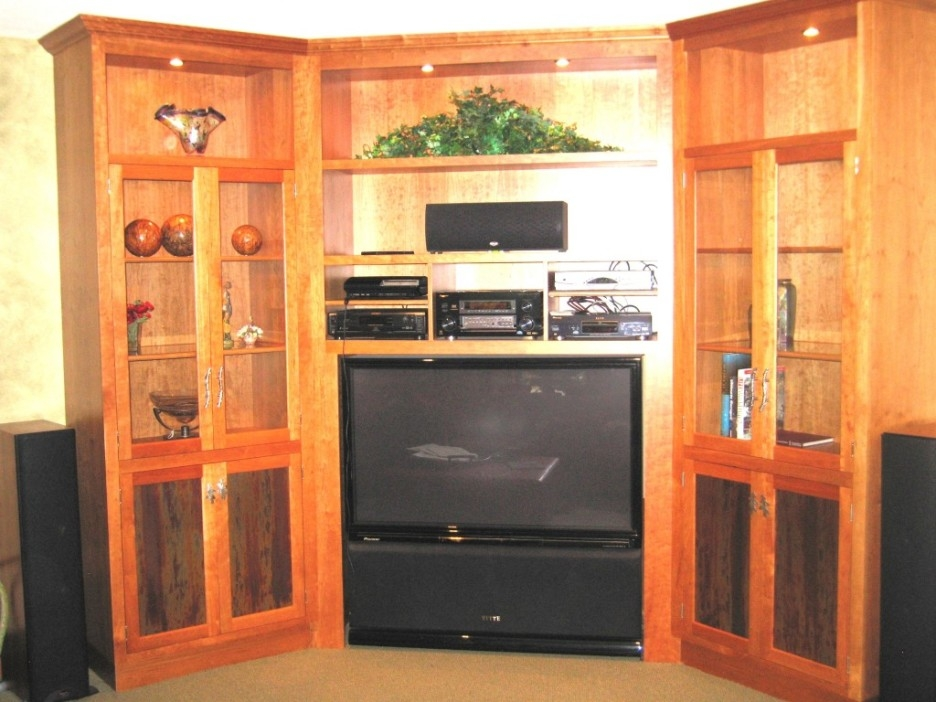 Brilliant Series Of Oak TV Cabinets With Doors Inside Furniture Good Picture Of Furniture For Living Room Decoration (Image 13 of 50)