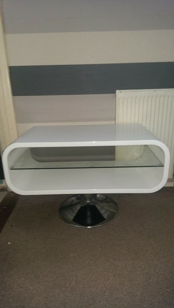 Brilliant Trendy Oval White TV Stands For Techlink Oval White Tv Stand In Bransholme East Yorkshire Gumtree (Image 16 of 50)