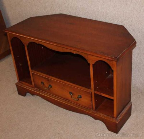 Brilliant Variety Of Walnut Corner TV Stands Regarding Antiques Atlas Walnut Corner Cabinet Tv Stand (Image 13 of 50)