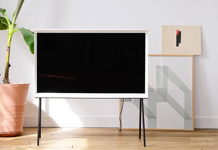 Brilliant Well Known Cool TV Stands Intended For Hot Tips For Buying A Cool Tv Part 3 B Samsung Tv Stands (Image 10 of 50)