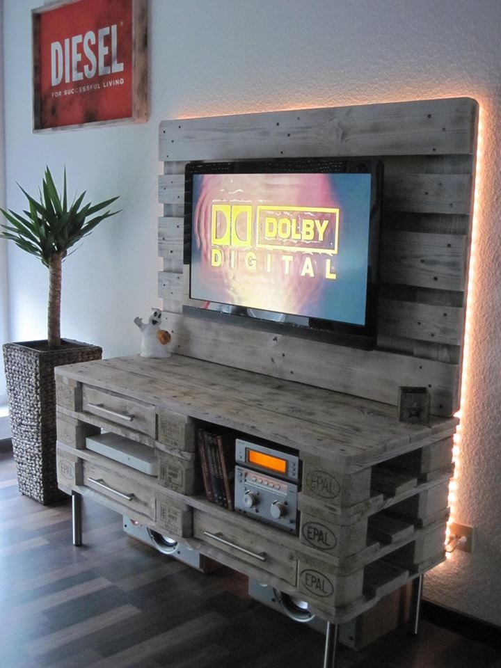 Brilliant Wellliked TV Stands With Back Panel Regarding Pallet Media Console Diy Tv Stand (Image 16 of 50)