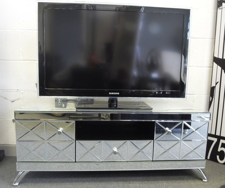 Brilliant Widely Used Mirrored TV Cabinets Regarding Venetian Mirrored Tv Unit Mirrored Tv Cabinet With Storage (Image 13 of 50)