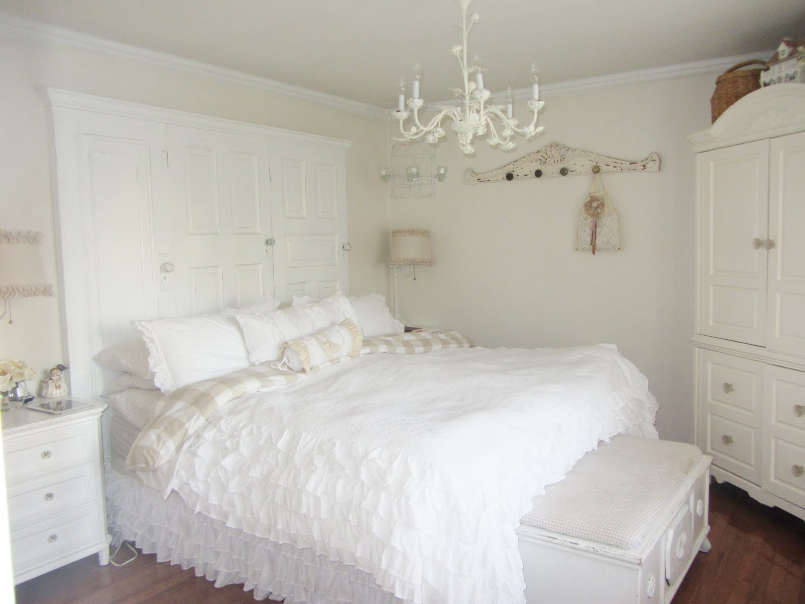 Chandelier Astounding Small Bedroom Chandeliers Awesome Small With Mini Chandeliers For Nursery (Image 6 of 25)