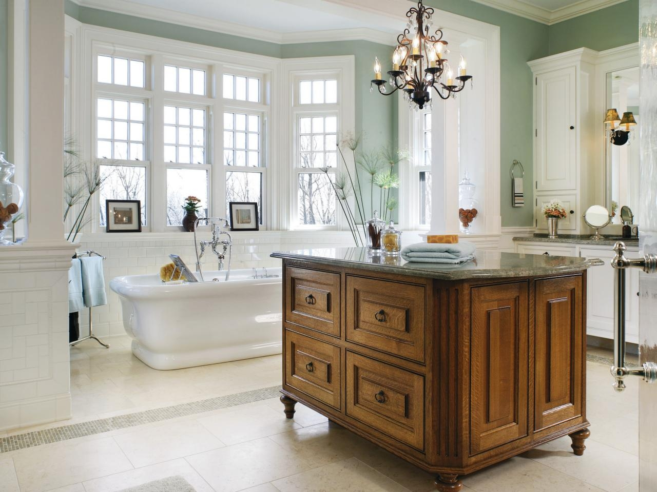 Chandelier Bathroom Lighting Ideas For Home Decoration Inside Bathroom Lighting Chandeliers (Image 13 of 25)