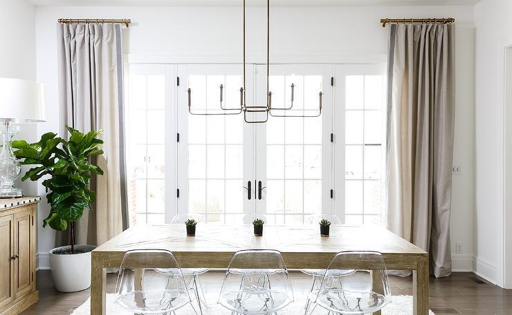 Clear Molded Plastic Dining Chairs Design Ideas Within Clear Plastic Dining Tables (View 13 of 20)