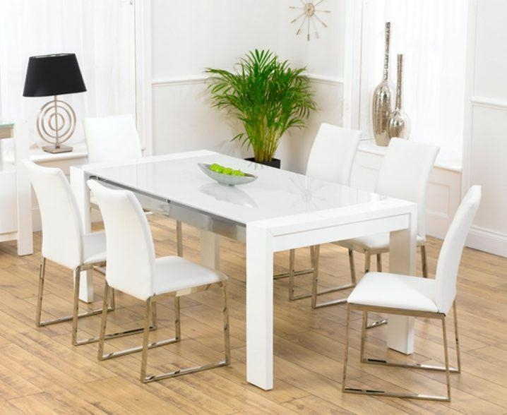 Cool White Gloss Dining Table And Chairs Ds10001918 Table For White Gloss Dining Tables (Image 3 of 20)