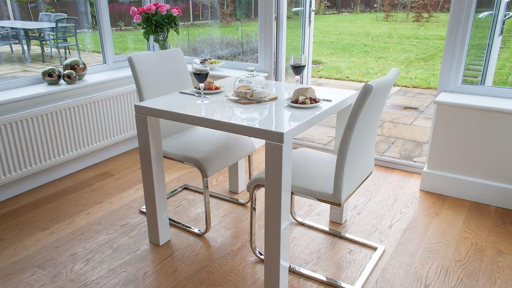 Featured Image of Small White Dining Tables