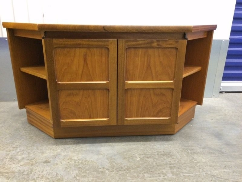 Excellent Famous Retro Corner TV Stands Throughout Retro Corner Tv Stand In Southampton Hampshire Gumtree (View 14 of 50)