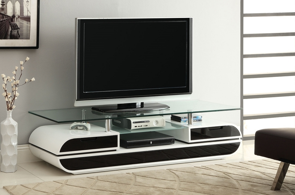 Excellent Latest Modern White Lacquer TV Stands Regarding 63 Glass Top Tv Stand Evos Modern Style Black White Lacquer (Image 11 of 50)