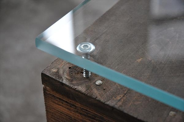 Excellent Popular Glass Coffee Tables With Casters In Pallet Coffee Table With Wheels And Glass Top Pallet Furniture Diy (Image 17 of 50)
