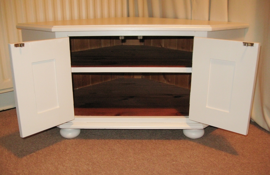 Excellent Series Of White Corner TV Cabinets In Nice Solid Wooden Corner Tv Stand Or Storage Unit In White (Image 18 of 50)
