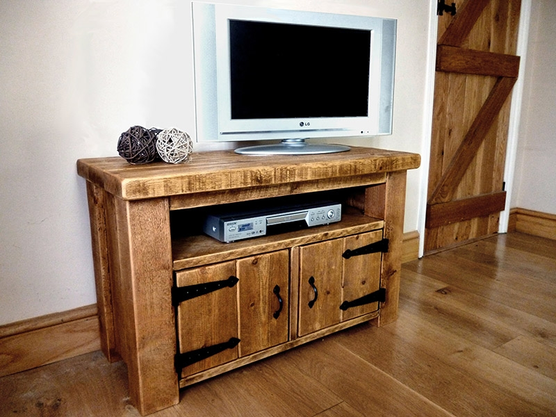 Fantastic Best Pine TV Cabinets With Rustic Pine Tv Cabinet With Doors Ben Simpson Furniture (Image 14 of 50)