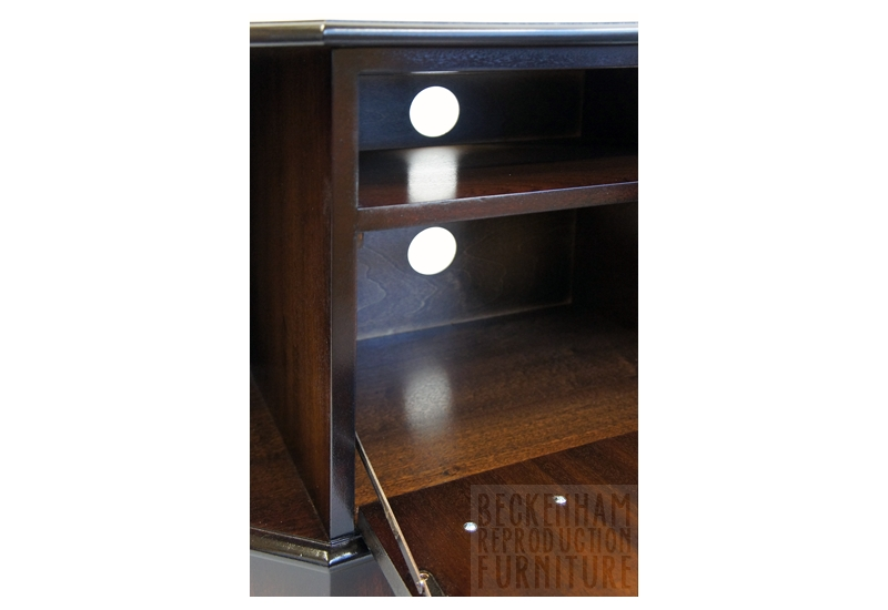 Fantastic Elite Mahogany TV Stands  For Corner Tv Cabinet Mahogany Veneer Beckenham Reproduction Furniture (Image 21 of 50)