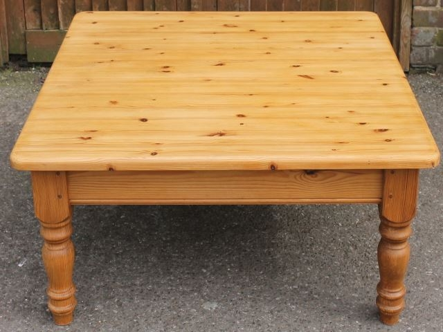 Featured Image of Square Pine Coffee Tables