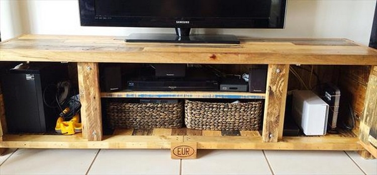 Fantastic Favorite TV Stands Cabinets Inside Recycled Pallet Tv Stand Plans Pallet Wood Projects (View 32 of 50)