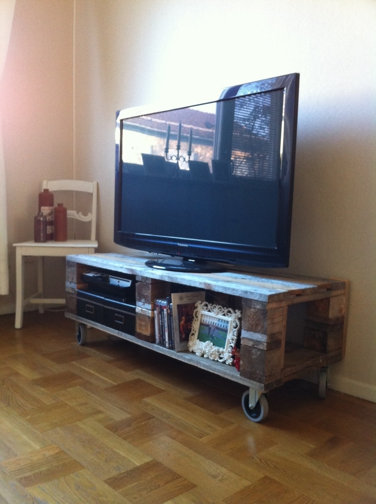 Fantastic Preferred Wooden TV Stands With Wheels For Diy Pallet Tv Stand Omg Yes Look Jaime This Is Our Wheels Tv (Image 20 of 50)