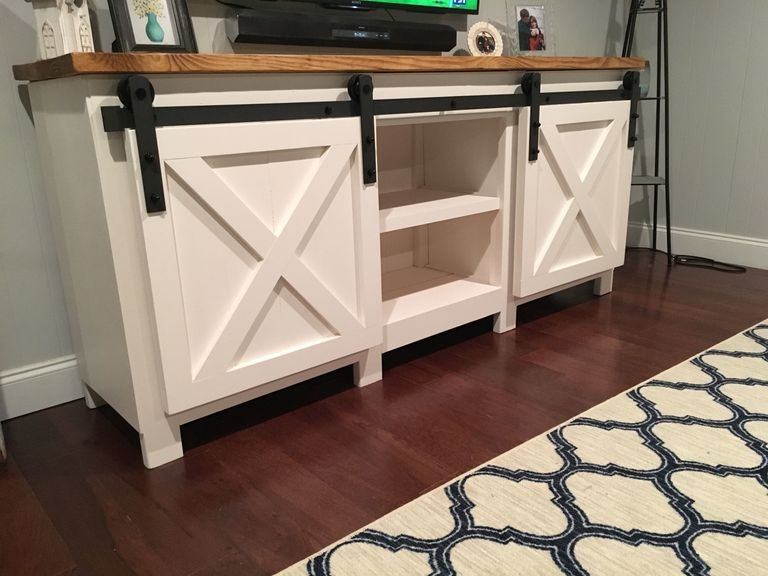 Fantastic Series Of White Rustic TV Stands Throughout 9 Tv Stand Ideas You Can Make Yourself Right Now Women Daily (Image 18 of 50)