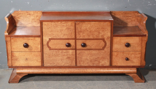 Featured Image of Art Deco TV Stands