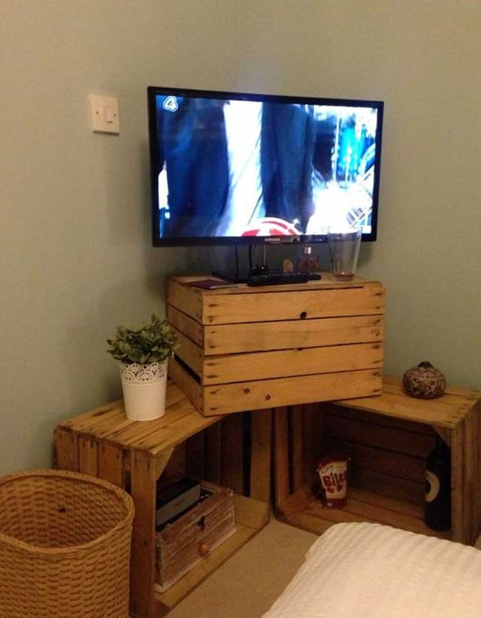 Fantastic Well Known Wooden TV Stands For Flat Screens Regarding 50 Creative Diy Tv Stand Ideas For Your Room Interior Diy (View 36 of 50)