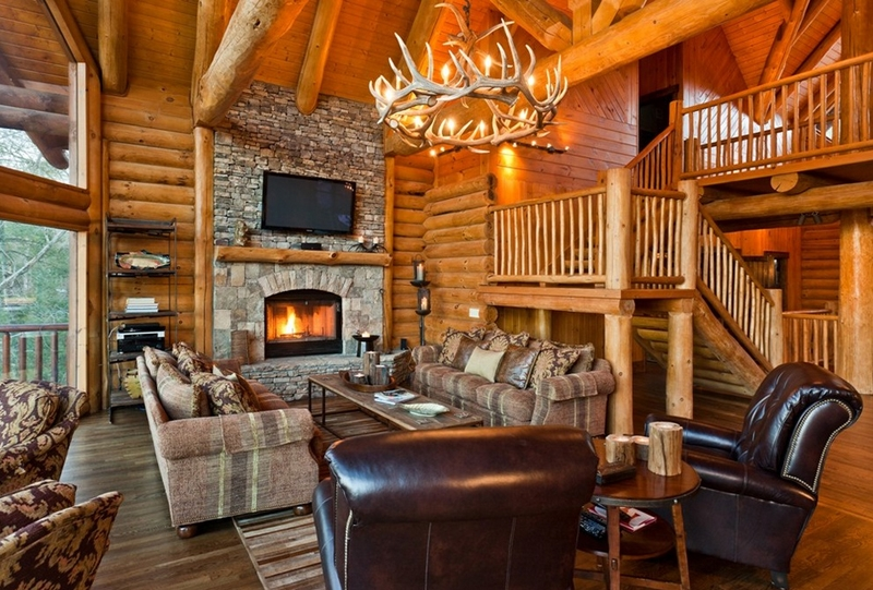 Fascinating Antler Chandeliers In 22 Interesting Living Rooms Within Turquoise Antler Chandeliers (Image 22 of 25)