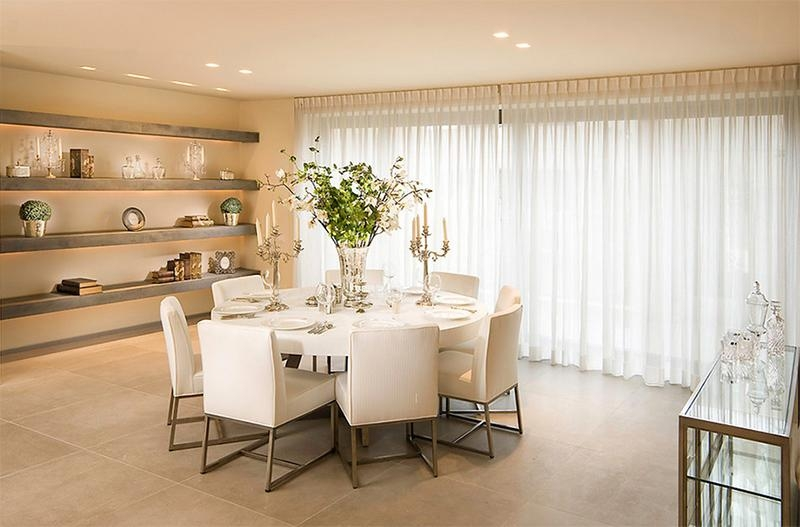 Furniture Arrangement Ideas: 25 Dining Rooms With Round White With White Circular Dining Tables (Image 9 of 20)