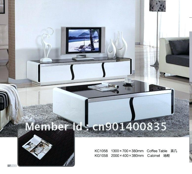 Great Deluxe Coffee Tables And TV Stands Matching Inside Living Room The Glamorous Matching Tv Stand And Coffee Table With (Image 24 of 50)