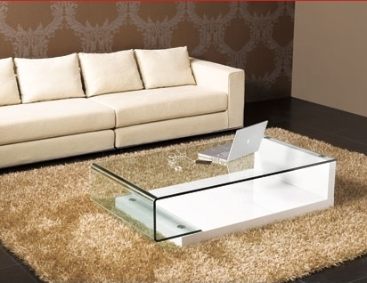 Great Deluxe White And Glass Coffee Tables Pertaining To 10 Contemporary Glass Coffee Tables With Minimalist Design (Image 20 of 40)
