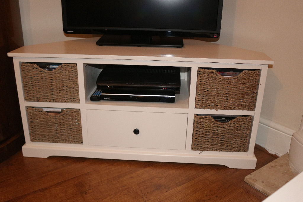 Great Elite Cream Corner TV Stands Within 3 Pcs Of Cream Shab Chic Furniture 1 X Corner Tv Stand 1 X (Image 24 of 50)