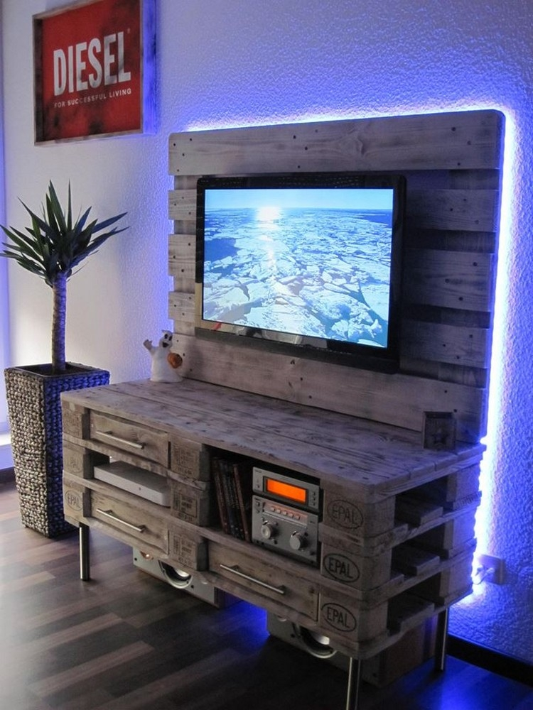 Great Elite Grey Wood TV Stands In Recycled Pallet Tv Stand Plans Pallet Wood Projects (Image 27 of 50)