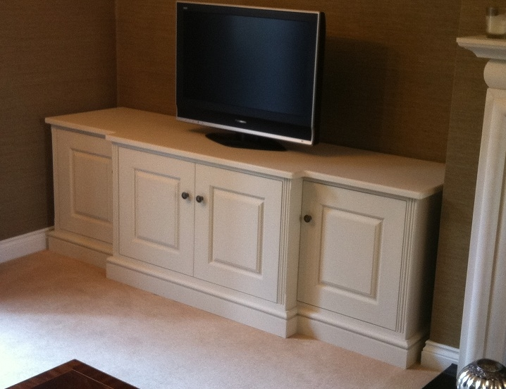 Great Famous White Painted TV Cabinets Regarding Contemporary Painted Tv Cabinet (View 11 of 50)