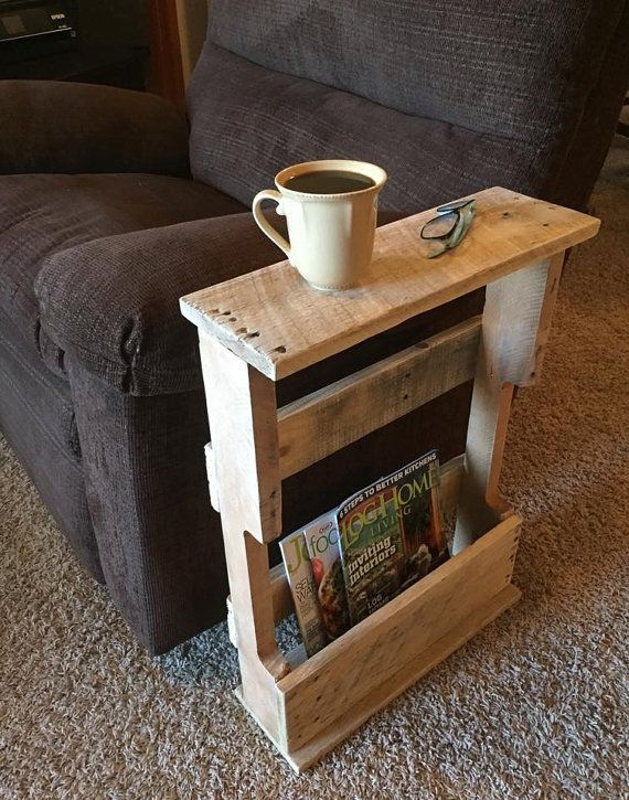 Great New Rustic Coffee Tables And Tv Stands Pertaining To Best 25 Pallet Side Table Ideas On Pinterest Diy Living Room (View 36 of 50)