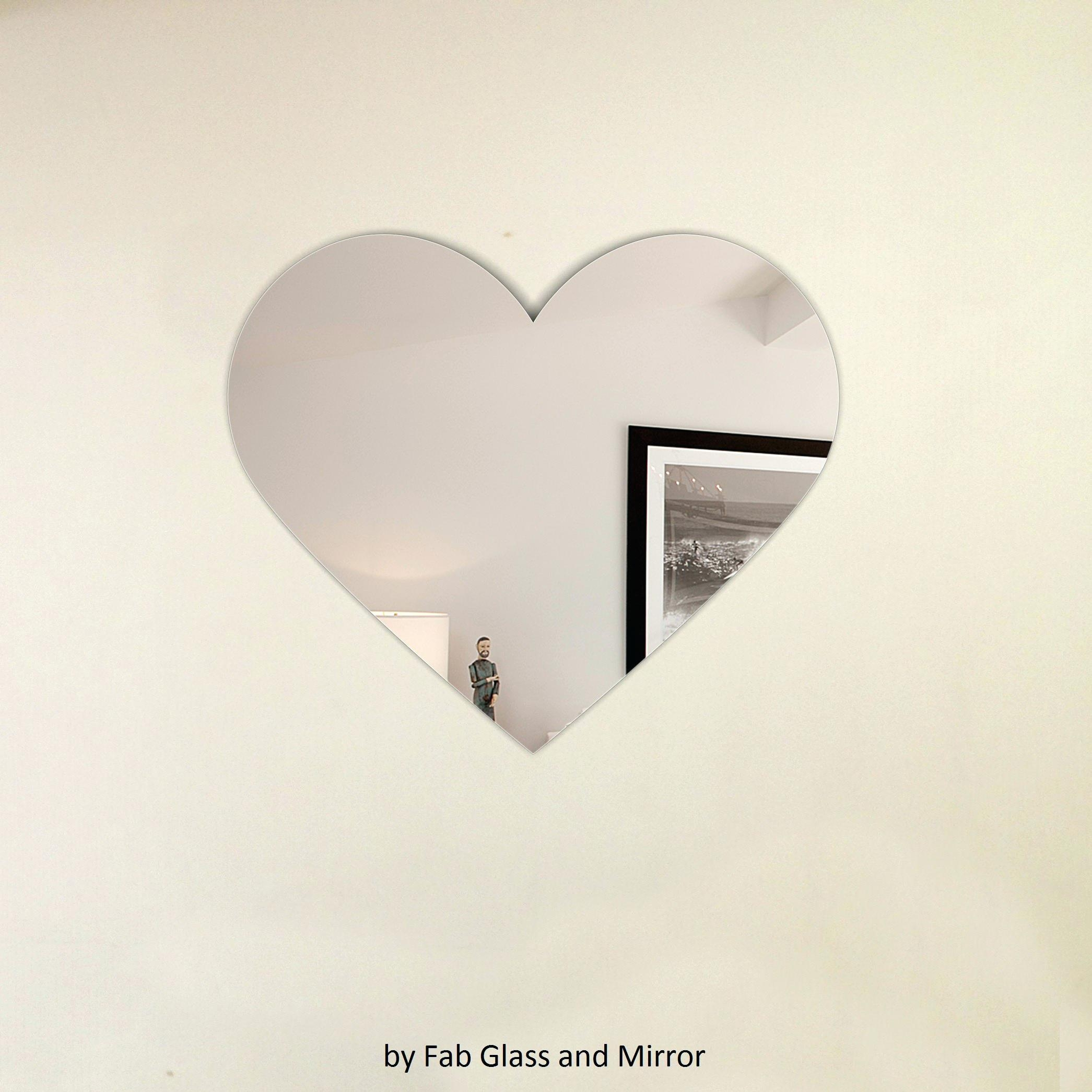 Heart Shape Venetian Wall Mirror 2Ft8 80Cm Lightbox Moreviewlarge Within Heart Shaped Mirrors For Walls (Image 8 of 20)