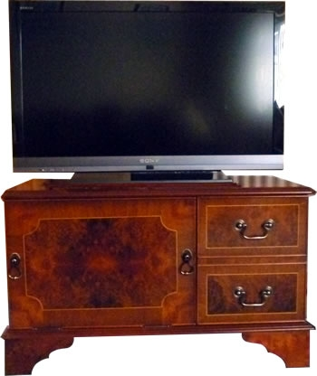 Impressive Famous Mahogany TV Stands Furniture For Reproduction Dvd And Plasma Lcd Television Cabinets Stands Yew (Image 18 of 50)