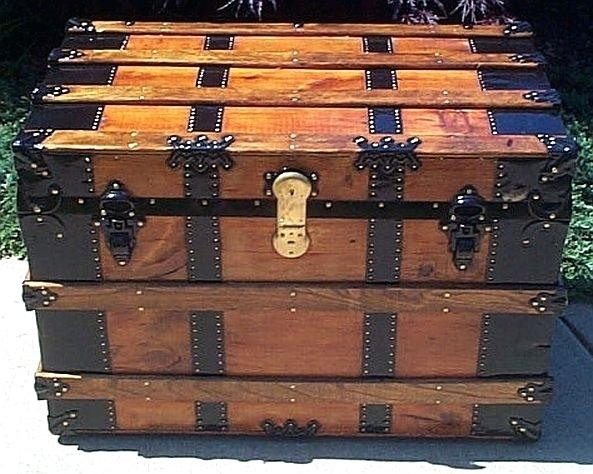 Impressive Fashionable Steamer Trunk Stainless Steel Coffee Tables Intended For Steamer Trunks As Coffee Tables Dealhackrco (Image 28 of 50)